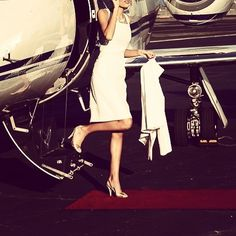 """Ready for #Eaglesweek @spacnation 300 x 9.30 see you there for a #BOOM time ✈️ #molife #spacnation #luxurylife #luxury #jetsetter #monochrome #elegance #londoncity #londonblogger #bankerslife #lifestyle #millionairesclub #redcarpet #richandroyal #royalpriesthood #influence #digitalmarketing #subliminal #newyorkcity #travelphotography"" by @faithinthecity. #startupgrind #successmindset #businesslife #inspiringquotes #successquote #entrepreneurquotes #ceo #motivational #leadership…"