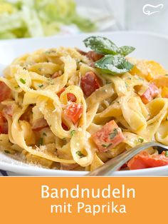 This pasta creation with paprika vegetables and fresh herbs tastes incredible . - This pasta creation with paprika vegetables and fresh herbs tastes incredibly good! Healthy Pasta Salad, Greek Salad Pasta, Vegetarian Salad Recipes, Greek Salad Recipes, Healthy Pastas, Chicken Salad Recipes, Pasta Recipes, Healthy Recipes, Salad Recipes For Dinner
