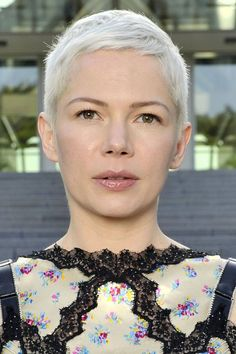 The pixie cut is making a comeback. Check out our edit of the best pixie cut hairstyles inspired by your favourite celebrities including Ruby Rose, Emilia Clarke and Zendaya. Short Blonde Pixie, Short Pixie Haircuts, Pixie Hairstyles, Cropped Hairstyles, Short Hair Cuts For Women, Short Hairstyles For Women, Short Hair Styles, Michelle Williams Pixie, Celebrity Pixie Cut