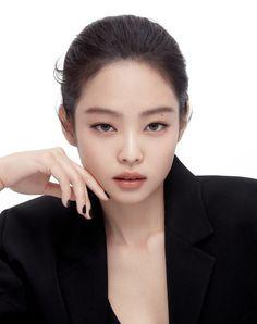 Blackpink Jennie, Square Two, Taehyung, Yoongi Bts, Blackpink Icons, Lisa, Blackpink Members, Blackpink Jisoo, Yg Entertainment