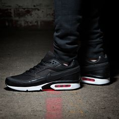 the latest 93b85 686c8 Men s trainers at Footasylum  We ve got trainers from the biggest names  including Nike and adidas.