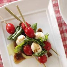 Caprese Salad Kabobs- YUM, I think I am going to make this tonight, one of my all-time favorite combinations!
