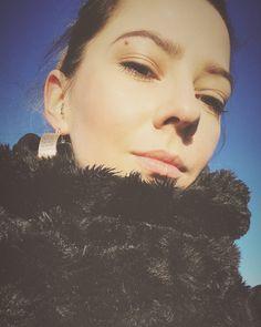 @katgordesign girl, London, me, earrings, scarf