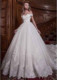 Stunning Tulle Off-the-shoulder Neckline Ball Gown Wedding Dress With Lace Appliques