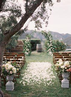 ideas wedding vintage decoration ceremony floral design for 2019 Romantic Wedding Receptions, Romantic Weddings, Wedding Ceremony, Rustic Wedding, Wedding Vintage, Barn Weddings, Gothic Wedding, Outdoor Weddings, Vintage Weddings