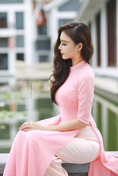30 Most beautiful girls with Vietnamesse traditional Aodai Ao Dai, Vietnamese Traditional Dress, Vietnamese Dress, Fashion Vestidos, Fashion Dresses, Saree Fashion, Traditional Fashion, Traditional Dresses, Non Blondes