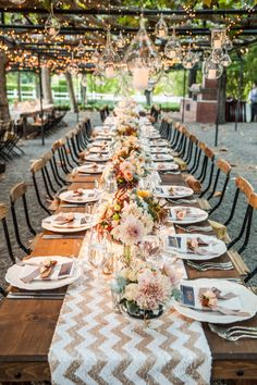 Doesn't that gold chevron patterned table runner make all the difference? Breathtaking Napa Valley Wedding from Elle Jae Photography.