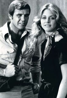 Lee Majors and Lindsay Wagner. The Six Million Dollar Man and The Bionic Woman. Richard Anderson, Lee Majors, Tv Show Casting, Bionic Woman, Vintage Television, Man Lee, Steve Austin, Tv Reviews, Film