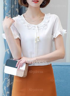 Llanura Casuales Poliéster Cuello redondo Manga corta Camisas (1040856) @ Retro Fashion, Womens Fashion, Clothes Crafts, White Casual, Trendy Tops, Lace Tops, Dress Patterns, Blouses For Women, Cute Outfits