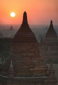 visitheworld:  Sunrise over the temples of Bagan / Myanmar (by Waldemar).