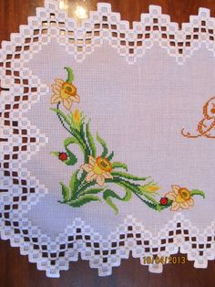 Hardanger Embroidery φωτογραφία More - Types Of Embroidery, Learn Embroidery, Hand Embroidery Designs, Embroidery Patterns, Crochet Patterns, Hardanger Embroidery, Cross Stitch Embroidery, Cross Stitch Patterns, Bordado Popular