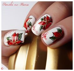poinsettias - Christmas Nail Art