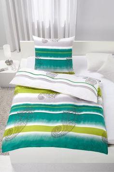Bettwäsche aus 100% Polyester in der Farbe Grün. B/L: ca. 135/200cm und 80/80cm.