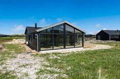 Schönes Ferienhaus wo nicht nur die Einrichtung stimmt, sondern auch die Terrasse und die tolle Lage direkt an den Dünen und dem Strand.