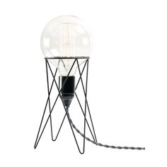 Lampfot STAND svart . . Lampfot i metall, finns i flera olika färger. Sladd och glödlampa säljs separat.  Kan även användas som piedistal för mindre krukor.