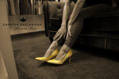 Viernes....... Relax......❤️😍💕Stilettos Manuel Reina.... 💕😙😙👠 #MisZapatosSonHermosos #SoloMios #PasionPorLaModa #ZapatosUnicos #ZapatosReina #LaReinaDeMiArmario #TeQuieroEnMiArmario #HechosParaTi #ZapatosExclusivos #HandMadeShoes #MadeInSpain #MisZapatosSonLaEnvidiaDelLugar #ReinaZapatosExclusivos #SiempreGuapa #MujerElegante #EresHermosa #TeQuiero #AmoLosZapatos #sandalias #estilo #tendencia #moda #pasarela #style #bailarinas #francesita #manoletina #stilettos #fashion #trendy