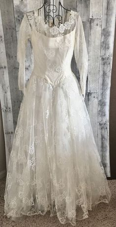 Vintage 1940s Lace Wedding Bridal Gown Dress Pleated Bow Lined Ivory Size XS #Unbranded #Bridal