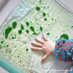 Lek med upptäckarpåsar är ett kul sätt för de minsta barnen att få vara med och upptäcka utan kladd eller risk att de stoppar saker i munnen. Innehållet går att variera i det oändliga. Här är en va… Toddler Play, Baby Play, Toddler Preschool, Toddler Activities, Fun Activities, Preschool Classroom, Leaf Crafts, Diy And Crafts, Crafts For Kids