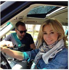Wendy van Dijk draagt ook zo'n mooie POM sjaal.