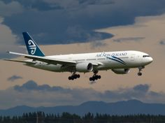 Air New Zealand, Jet Airlines, Nz History, Passenger Aircraft, Boeing 777, Commercial Aircraft, Cabin Design, Airports, Spacecraft