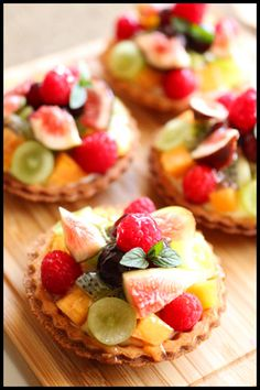 Shared by Where YoUth Rise Bento Recipes, Dessert Recipes, Cooking Recipes, Mini Fruit Tarts, Fruit Tartlets, Fruit Cake Design, Tasty, Yummy Food, Pastry And Bakery