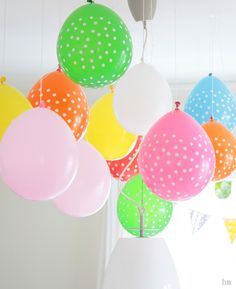 balloons hung from ceiling - dont need Helium for that Hanging Balloons, Crafts For Kids, Arts And Crafts, 2nd Birthday, Girl Power, Party, Tiffany, Ceiling, Night