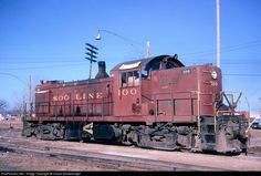 Image from http://www.railpictures.net/images/d1/7/4/0/4740.1303472466.jpg.