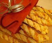 Paluchy serowo marchewkowe z ciasta francuskiego
