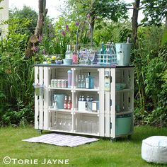DIY outdoor bar tutorial with step by step instructions - great for a coffee bar?