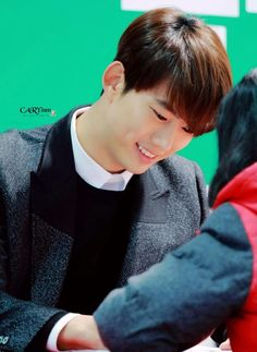 20141217 OK TAECYEON AUTOGRAPH SESSION 옥택연오빠의 아주 착한 눈빛... T3T♡