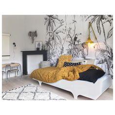 Ideas for Decorating a Bedroom in a Panda Theme Bedroom Tv Wall, Kids Bedroom, Kids Rooms, Room Kids, White Bedroom, Bedroom Themes, Bedroom Decor, Deco Kids, Modern Bedroom Design