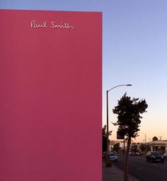 """As they say """"When in Rome..."""" That Pink Wall 💕👙🌺👛🌂🏩🎀"""