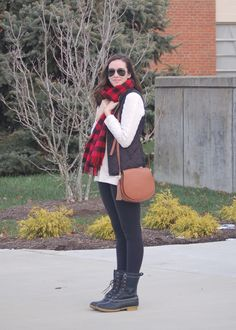 Crew buffalo check scarf, old navy purse & vest, Lululemon leggings & LL Bean Boots // Helen Loves Girls Black Leggings, Cold Weather Dresses, Ll Bean Boots, Winter Outfits, Casual Outfits, Lycra Leggings, Tan Purse, Checked Scarf, Comfy Casual
