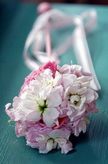 Do It Yourself Weddings: DIY Flower Girl Fairy Wands or You Can Let Your Florist Do the Work