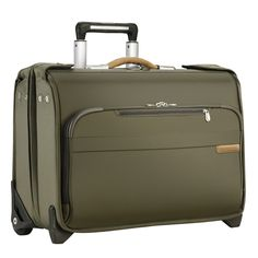 This carry-on wheeled garment bag conveniently carries your hanging garments in a protected structured case while still avoiding checked baggage fees. The durable ballistic nylon outer fabric withstan