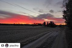 Det går mot lysere tider  #reisetips #reiseliv #reiseblogger  #Repost @piactho with @repostapp  Fantastisk farge på himmelen til morran i dag!  Sunrise this morning in Aremark Norway