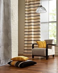 3 Crazy Tips and Tricks: Blinds For Windows Brown patio blinds privacy screens.Kitchen Blinds No Sew living room blinds farmhouse. Bali Blinds, Diy Blinds, Bamboo Blinds, Fabric Blinds, Wood Blinds, Curtains With Blinds, Blinds For Windows, Blinds Ideas, Privacy Blinds