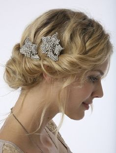 bridal headpieces - vintage hair brooch
