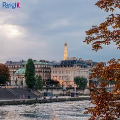 Looking for a Paris Itinerary? We've written you a three day Paris itinerary for your first ever visit to Paris! What to see and do? Weather In Europe, Europe In September, Paris Itinerary, Paris Travel Tips, Voyage Europe, Europe Europe, Tour Eiffel, Winter Travel, Bastille