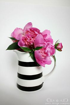 diy-stripe-pitcher
