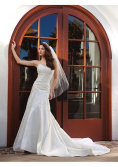This wedding dress features its satin strapless sweetheart neckline lace bodice, a-line draped skirt with lace appliques and chapel train. Please choose the dress color when you order, otherwise the one shown on the picture will be your selection. We not only can make standard size dress but also can make according to your own measurements and it is free.