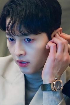 Sung Jong Ki, First Love Song, Descendants Of The Sun Wallpaper, Dramas, Song Joong Ki Cute, Soon Joong Ki, Korean Picture, Hip Hop Dance Videos, Korean Drama Best