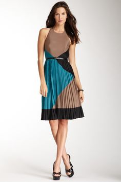 Vince Camuto accordian pleated colorblock dress