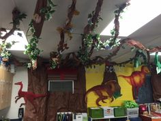 Thematic units, Dinosaurs and Classroom Dinosaur Classroom, Kindergarten Classroom Decor, Classroom Decor Themes, Classroom Design, Classroom Themes, Daycare Themes, Preschool Themes, Preschool Crafts, Dinosaurs Eyfs