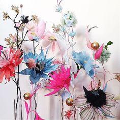 Paper bloom perfection by @rieeliselarsen