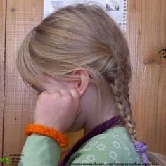 12 home remedies for earaches, which are commonly paired with congestion, coughs and sore throats. Use these earache remedies to help provide earache relief for children and adults - includes tips for avoiding ear infections in the future. Home Remedies For Earache, Home Remedy For Cough, Cough Remedies, Herbal Remedies, Health Remedies, Natural Add Remedies, Natural Headache Remedies, Headache Relief, Pain Relief