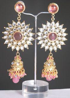 Kundan jewelry is famous wedding jewelry from India
