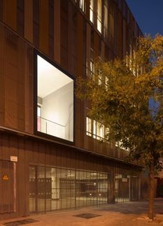Social Building / Donaire Arquitectos | ArchDaily