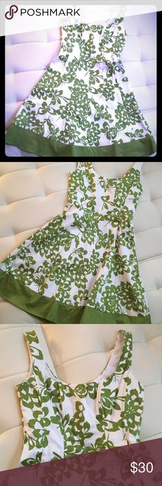 """London Times green and white floral dress Fit and flare tank dress with a Scoop neck and a partially lined bodice. Measures 36.5"""" from shoulder to hem. Measurements are : bust-15"""" // waist-14"""" // hips-21"""". In excellent condition London Times Dresses"""