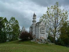 Discover the world through photos. Klagenfurt, Neuschwanstein Castle, Architectural Models, Dollhouses, Austria, Barcelona Cathedral, Miniatures, Mansions, Architecture